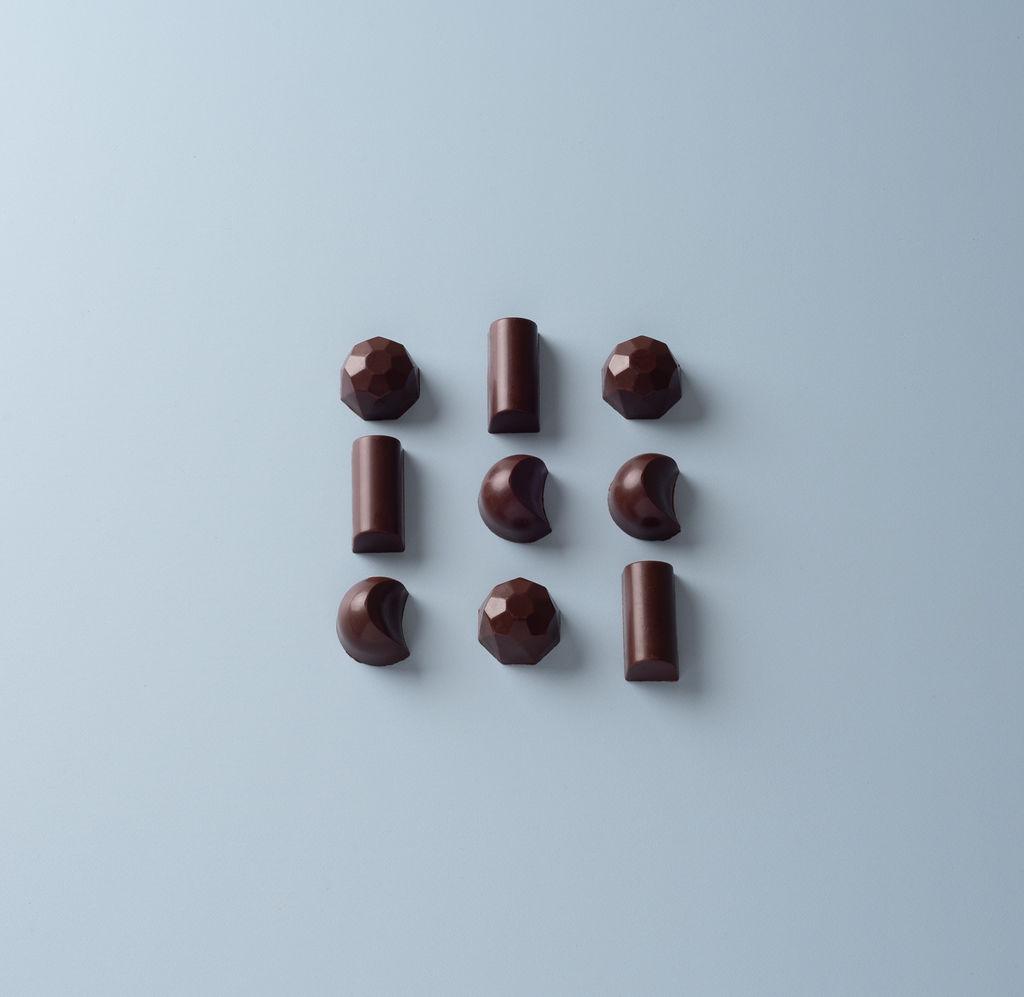 Minimalist Chocolate Bonbons - Naturally delicious, Sugar free* Chocolate